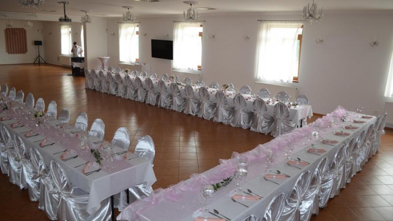 Svatební tabule na kongresovém sále - Hotel Tři Věžičky